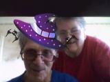 Дед с бабкой открыли для себя новое в ноутбуке и удивились